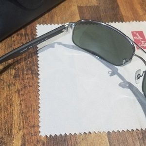 Ray-Ban Accessories - Just Like New!  Ray Ban RB3445 Designer Sunglasses